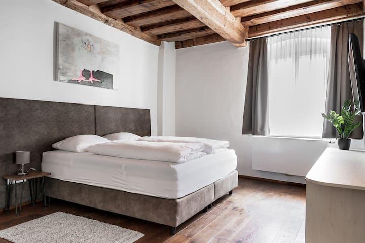 DAREBELL-Designer-Apartment Sporgasse Top 4