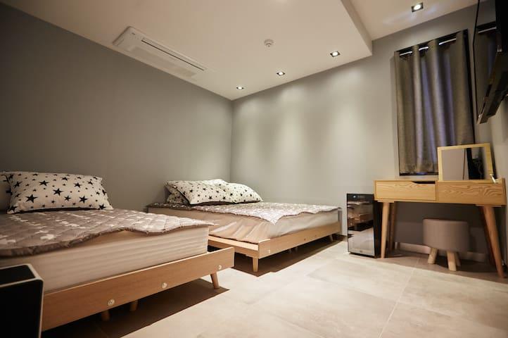 속초 하루 호텔&게스트하우스 트리플룸(haru guesthouse Tripple room)