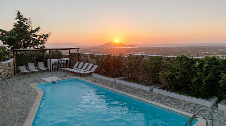 Villa Kairos Naxos - private pool & sunset views