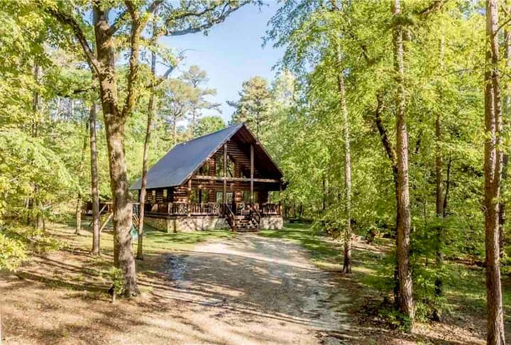 Peaceful Pines Luxury Cabin 🌲🦌🌲Lake/Trails/Brewery