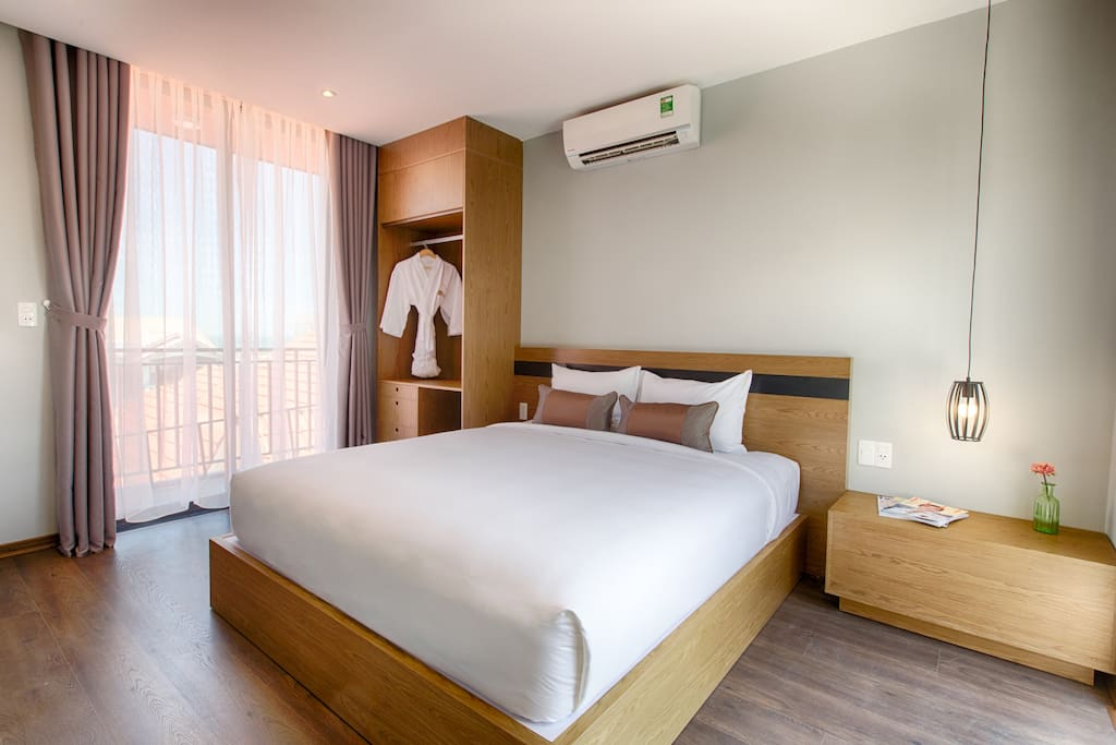 - The first bedroom with private bathroom inside, TV, AC, you can see swimming pool from your room. - Mattress and pilow with high quality.