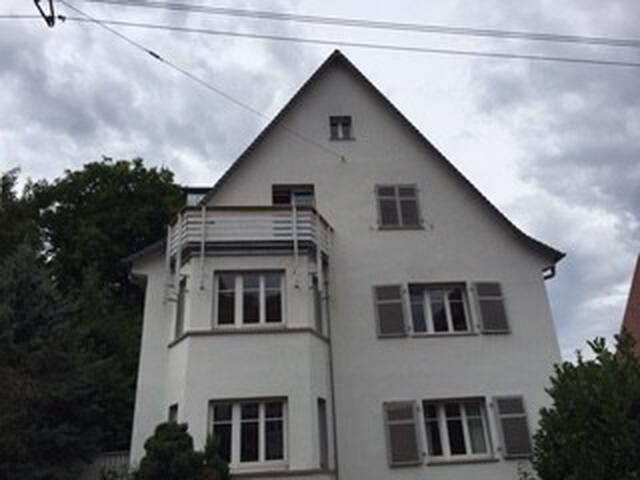 Gemütliches Appartement zentral und idyllisch - Stuttgart - Pis