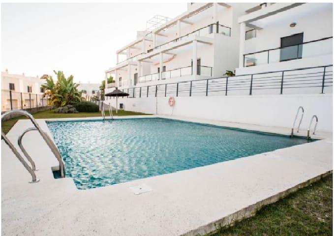 Nuevo en Conil, con vistas y piscina - Conil de la Frontera - Apartamento