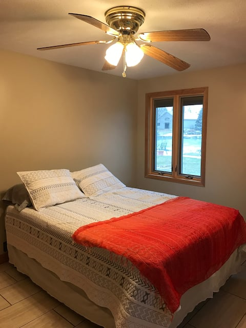 The Lake House Bedroom 2