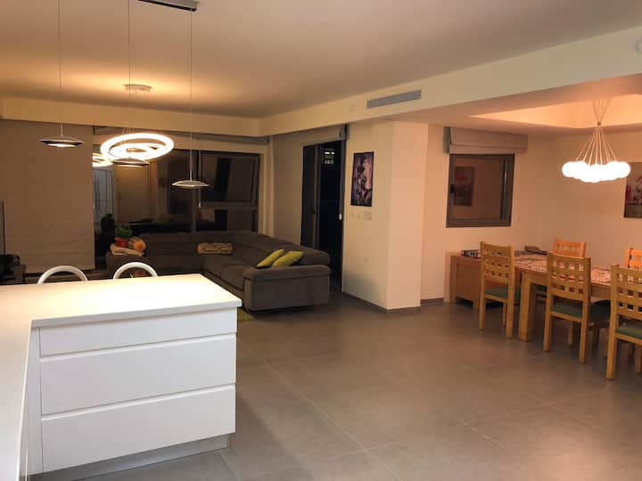 Luxury apartment 5 min walk from Haifa university