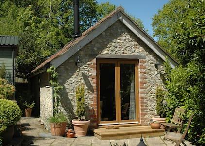 Secluded studio near Lyme Regis