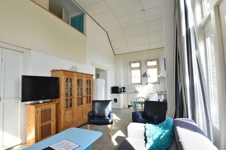 Prachtige cottage dicht bij zee in Bergen aan Zee
