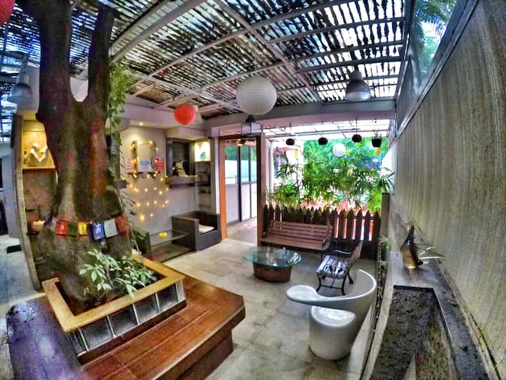Cozy Poolside Bungalow on Rent in the hrt of pune