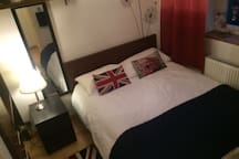 Cosy/smallish Private Bedroom nearby Westminster