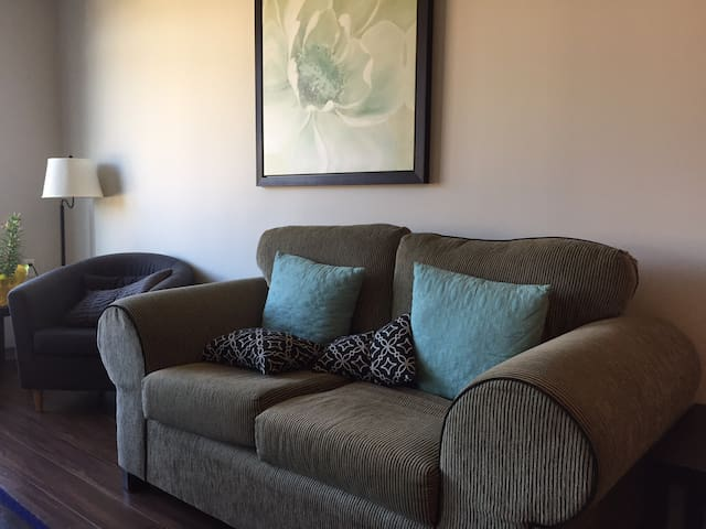 1 Bedroom Apartment w/Parking NV - North Vancouver - Appartement
