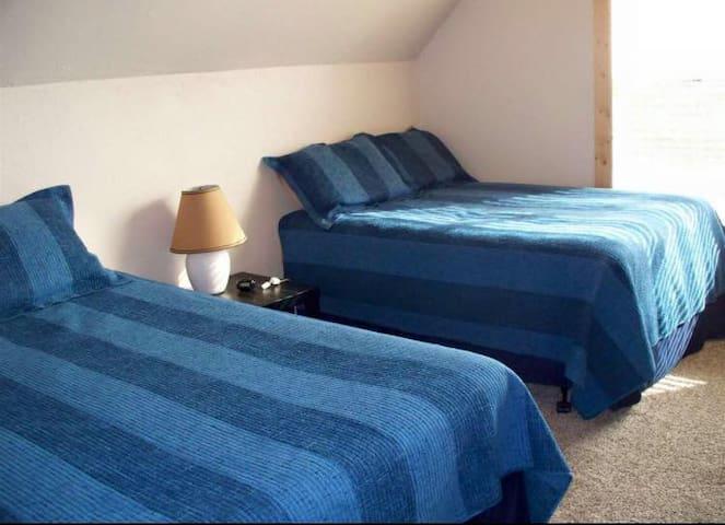 3rd Upstairs Bedroom (1 Queen & 1 Full)