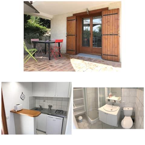 Location studio dans villa