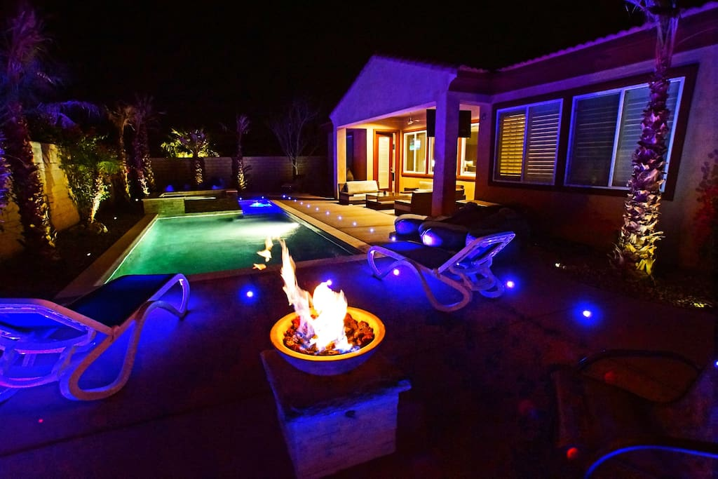 Outdoor Fire Pit - Natural Gas Firebowl - Stack stone pedestal