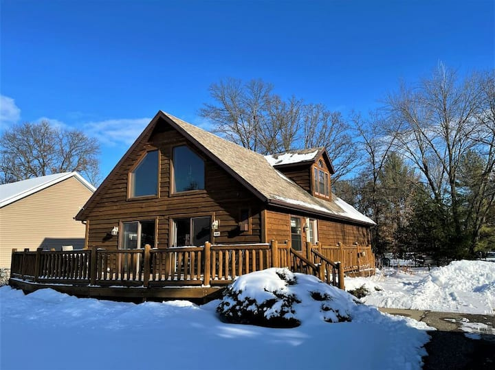 American Great Outdoors @ Spring Brook Resort | Great 5BR Home on Golf Course