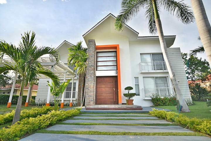 Villa SG