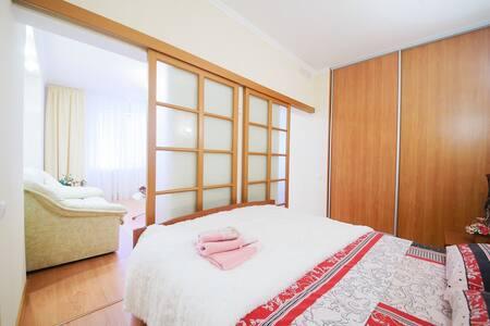 Элитные апартаменты ФЛАМИНГО - Saratov - Apartamento