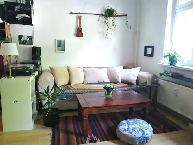 20sqm room in friendly flatshare in Friedrichshain