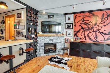 Truckee/Tahoe Donner Stunning Ski Chalet Condo - Truckee - Appartamento