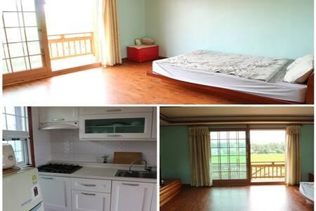 slowtravel, 바닷가 동네에서 편안한 휴식, 깔끔한 객실 - Nam-myeon, Taean-gun - Condominio
