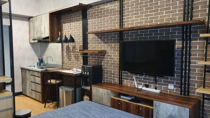 Apartemen Studio Surabaya - Industrial Design