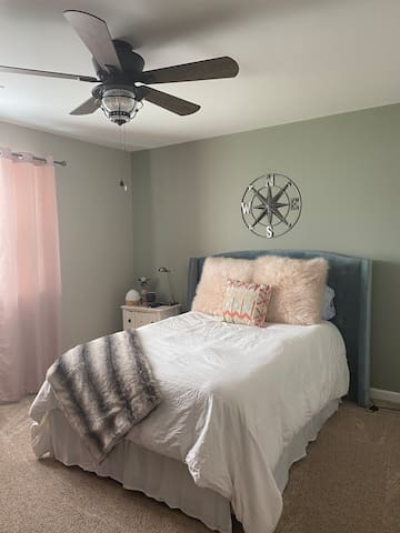 Bedroom #1- Full Size Bed