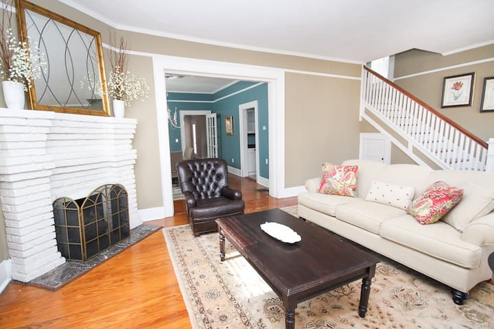 Refined Historic 3BR | Converse Heights + Main St.