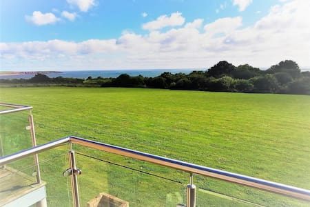 three bedroomed house with stunning sea views
