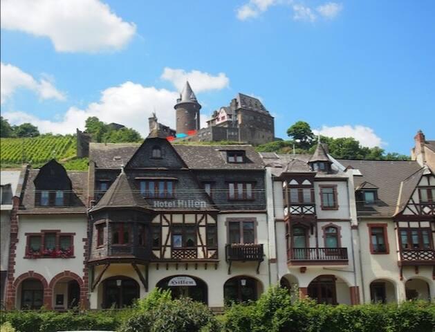 Hillen am Rhein
