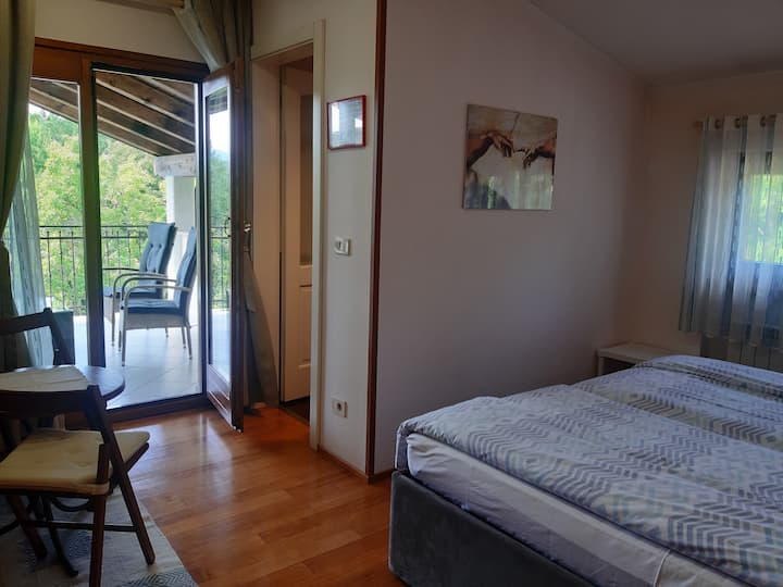 B&B-Deluxe Double or Twin Room, Vogrsko 115 Šempas