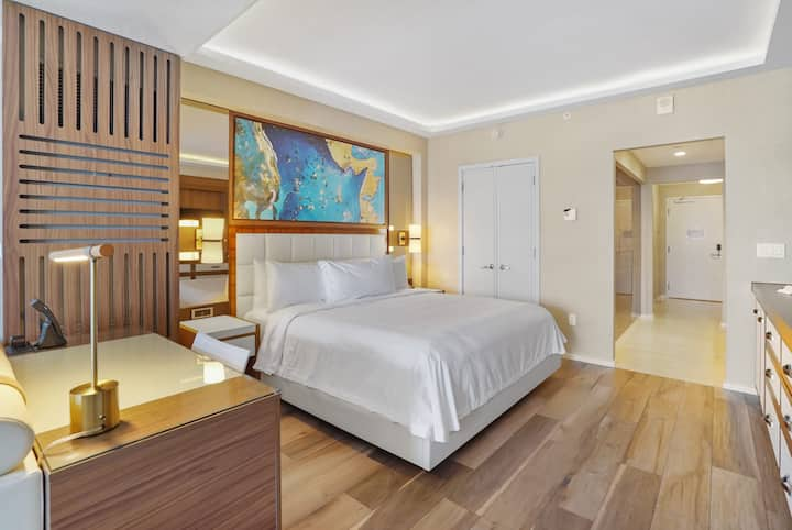 The Ocean Resort Residences | Junior Suite Partial Ocean View