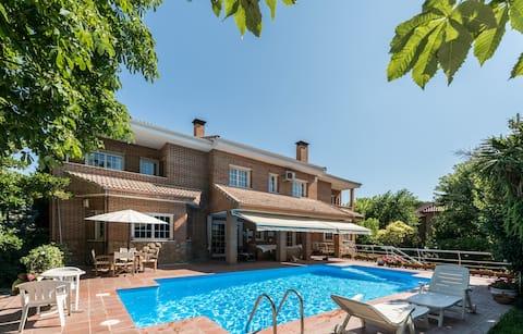 Large luxury villa near Madrid