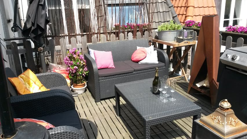 Loft apartment in populair area!
