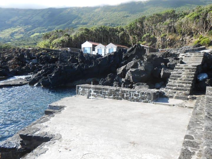 Casa das Lanchas/2. Studio. Sea at front. AL569