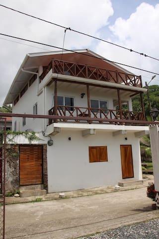 CASA DINIS-STUDIO 4 PERSONAS - CENTRO DE PORTOBELO