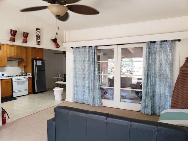 Aloha  hawaiian home with patio 3bed rooms