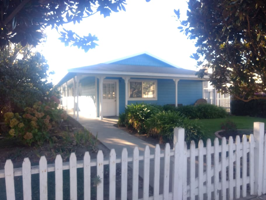 Magnolia Cottage In Central Coast Wine Country
