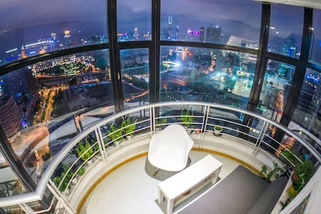 超级观景在高层的设计工作室 - Shanghai