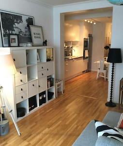 Charmig small apartment with garden - Jönköping
