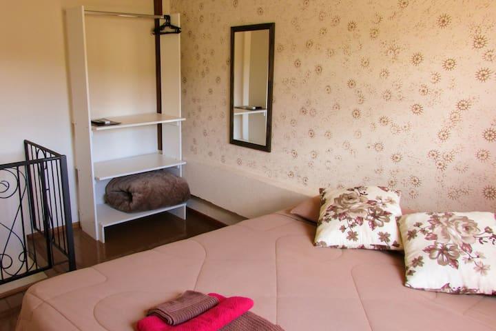Apartamento casal com ar condicionado e internet