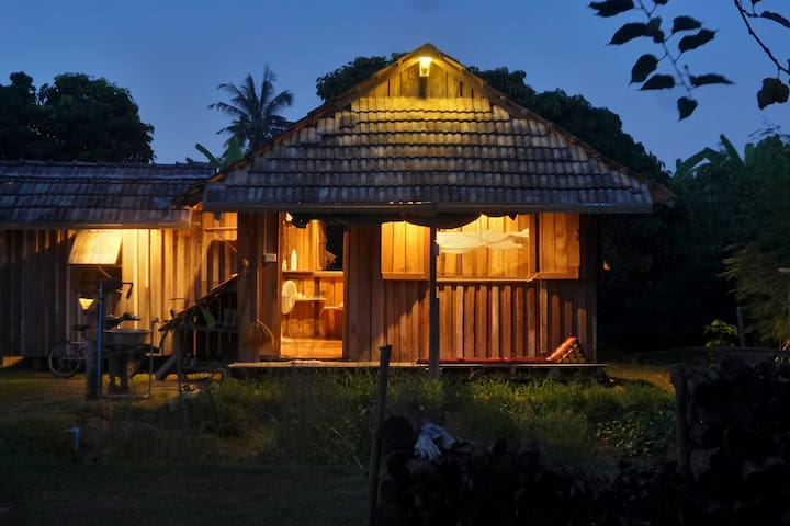 Lovely Wood Cabin at Adobe Home Chiangmai.