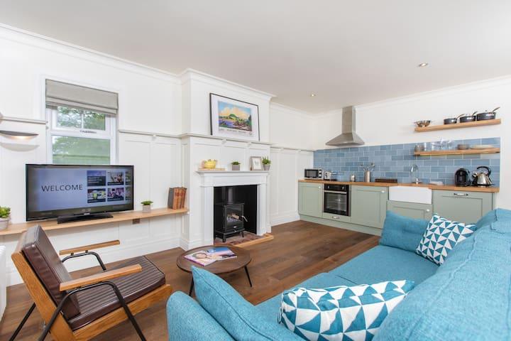 One Bedroom Cottage Suite