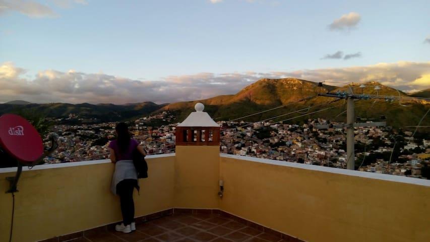 Habitacion con baño independiente - Guanajuato - Casa