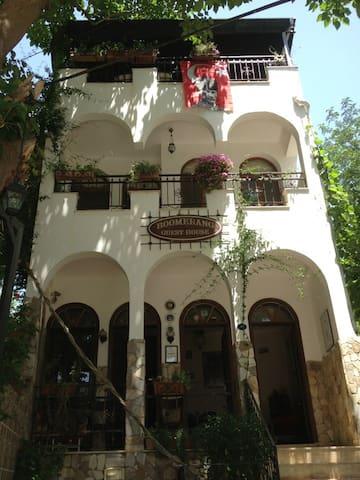 BOOMERANG GUEST HOUSE EPHESUS