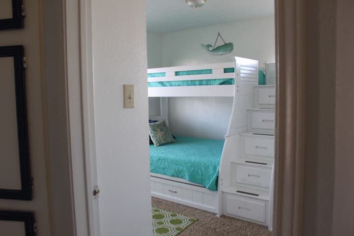 2nd Bedroom w/Bunk bed & Trundle
