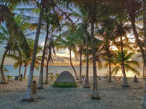Berkemah  di Cielo y Selva Sian Ka'an (Tepi pantai)