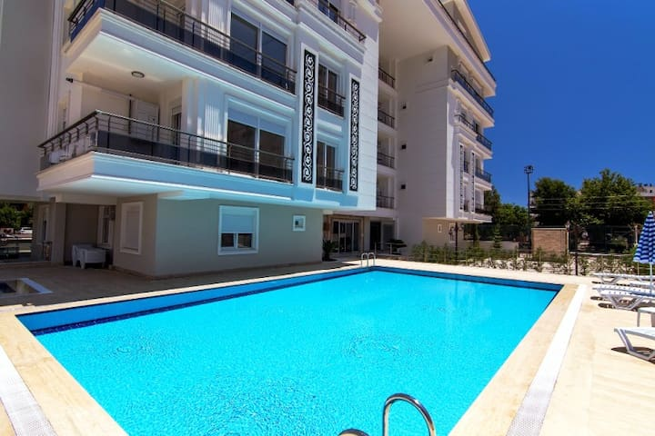 Comfortable NEW flat with pool, 600m to sea :) - Konyaaltı - Apartamento