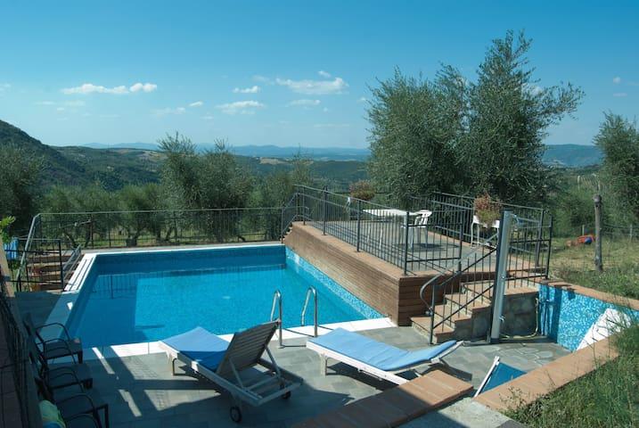 apartment n 2 in one villa - Castel del Piano - Apartment