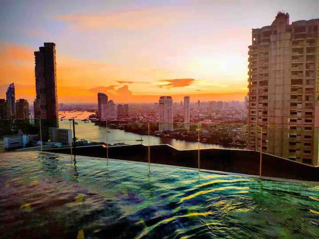 Chao Phraya River Private Upscale Apartment