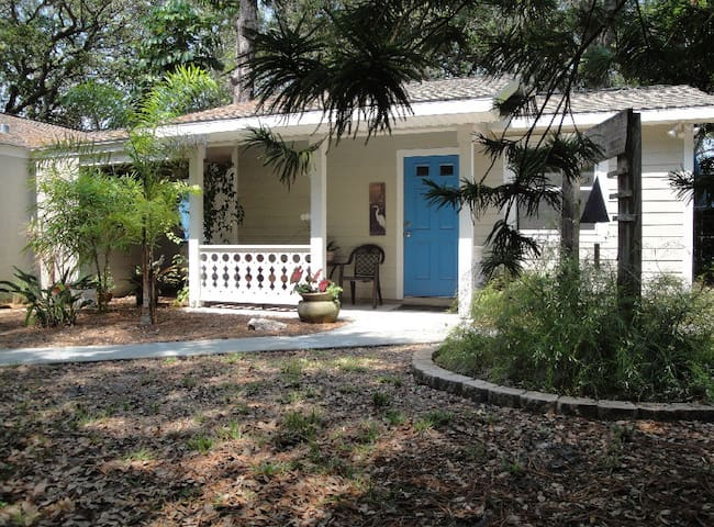 Blue Arbor Guest Cottage / Gulfport - Gulfport - Apartment