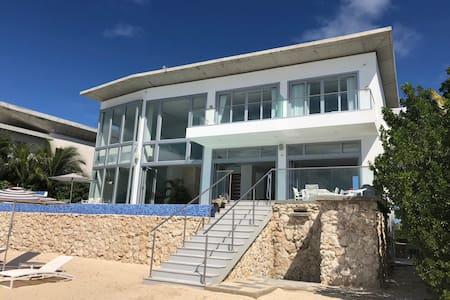 New Aruba Beachfront Estate:gym, pool,live-in-maid